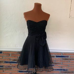 Betsy Johnson Black Strapless Party Dress